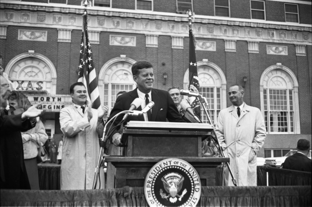 President Kennedy speaks to the crowd outside the Hotel Texas in Fort Worth, Texas, November 22, 1963. William Allen, photographer/Dallas Times Herald Collection - Courtesy of The Sixth Floor Museum at Dealey Plaza.